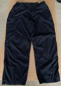 CRAGHOPPERS Men's Classic Navy Trousers Solarshield Size 38S -Preowned Ex Cond