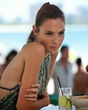 Gal Gadot-Varsano / Justice League 8 x 10 / 8x10 GLOSSY Photo Picture Image #7