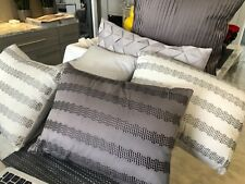 LOT DKNY  set of 6   PillowsDonna !!!!!!!! must have