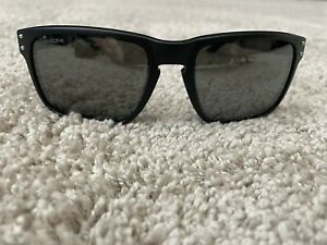 Limited Edition 2020 NFL Collection Dallas Cowboys Oakley Holbrook Sunglasses
