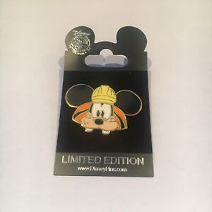 Disney Trade City Usa Hat EARS Goofy BuildEAR LE 300 Disney Pin 76921 2010