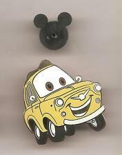 Pin's pin DISNEYLAND RESORT PARIS CARS DISNEY LUIGI'S CASA DELLA TIRE (ref CL23)