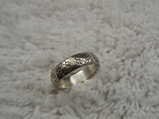 Silvertone Etched Flower Band Ring - Size 8.5 (C78)