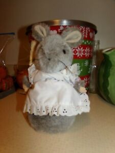"HUNCA MUNCA MOUSE Beatrix Potter PETER RABBIT 8"" PLUSH Eden Broom."