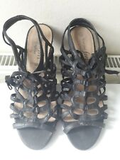 New Look - Your Feet Feel Gorgeous Black Shoes Size 6
