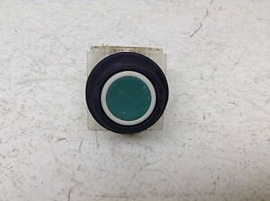 Square D 9001KA2 Green Momentary Push Button 9001 KA2 9001-KA2 KA-2 Plastic