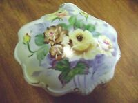 LARGE VINTAGE HAND PAINTED FLOWERS SHELL SHAPED CANDY DISH/ TRINKET BOX