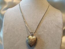 """AWESOME Silvertone 16"""" Chain w/ Working HEART LOCKET Finding Necklace 14N029B"""