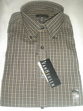 Van Heusen Men Dress Shirt long sleeve  size S/P  14 - 14 1/2 no iron classic