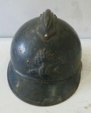 Casque ADRIAN de l' Artillerie, peinture bleu horion, 1 ère guerre mondiale.