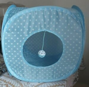 FOLDING PET  BED/PLAYPEN WITH ADDED BELL BALL, BLUE/WHITE , SIZE SMALL ,SQUARE
