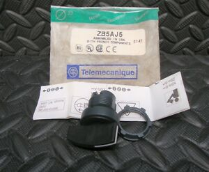 NEW Telemecanique ZB5AJ5 Selector Switch 22 mm 3 Position Schneider Electric