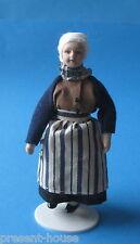 Puppe Grossmutter  Oma mit Schürze Puppe für die Puppenstube Miniatur 1:12