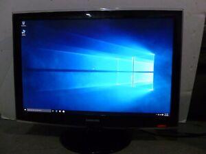 """Samsung T260 LCD Monitor, 25.6"""" Display"""