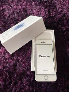 Apple iPhone SE - 32 Go - Argent (Désimlocké)