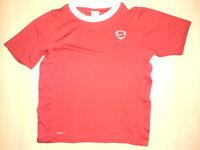cooles T-Shirt / Sport-Shirt für Jungen *Gr. 140/146 * rot/weiß * von NIKE