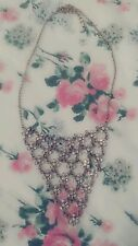Gold Connecting Flower Necklace