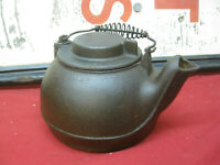 ANTIQUE ORIGINAL CAST IRON WAGNER WARE TEAPOT / KETTLE SIDNEY OHIO USA