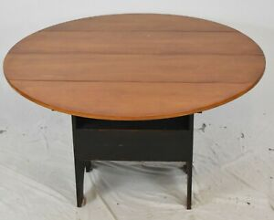 Portsmouth Round Shoefoot Hutch Table Bench Made David T. Smith Ohio Artisan
