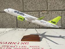 1:100 Airbus A220-300 Air Baltic Modell airBaltic Flugzeug Aircraft CS300 LV 220