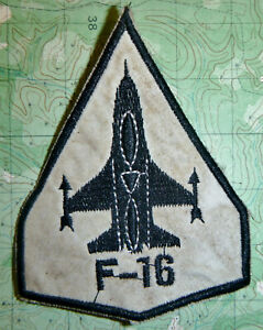 FIGHTING FALCONS - Patch - F-16 - ARROWHEAD - 1970's - 80's - USAF - 1643