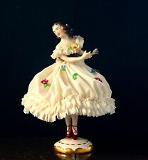 Tänzerin aus Porzellan