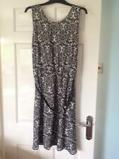 LADIES dress from Papaya size 20 in VGC