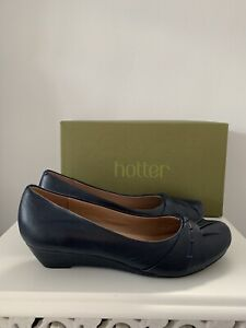 HOTTER LEATHER NAVY PETUNIA SLIP ON SHOES SIZE 6.5 EUR 40.5WORN ONCE EX CON
