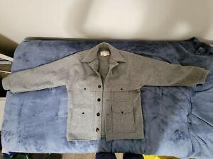 Vintage Filson Double Mackinaw Cruiser Made in USA 24oz. Wool Coat Size 40