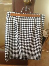 Classic black houndstooth straight/pencil skirt, size 8