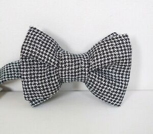 NWOT Authentic TOM FORD Black White HOUNDSTOOTH 100% SILK PRE-TIED Bow Tie