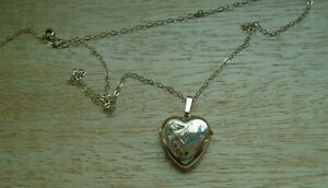 9ct Gold Heart Locket Necklace 2G
