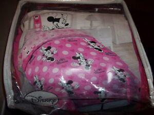 NWT Disney MINNIE MOUSE Mickey 4Pc Twin Reversible Comforter & Sheet Set Cotton