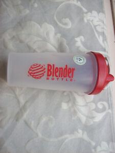 Blender Bottle Classic Shaker Bottle, 28oz - Clear