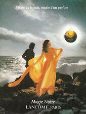 Publicité ancienne parfum Lancôme Magie Noire 1980  issue de magazine
