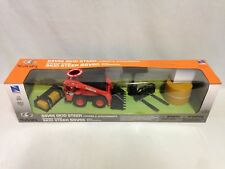 B/O Kubota SSV65 Skid loader w/Accessories Bales 1:18 Sound Lights New Ray Toys