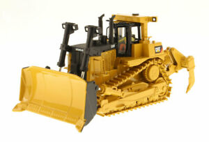 Die-cast Masters 85158 Caterpillar D10T Track Tractor Black Blade Back 1/50 MIB