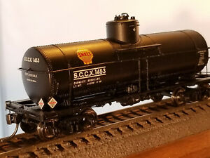 HO Proto 2000  Shell 8,000 gallon type 21 tank car #1453, built 1948, Intermount