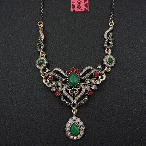 Red/Green Rhinestone Exquisite Teardrop Pendant Betsey Johnson Chain Necklace