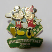 Disney Sweetest Day 2006 - Mickey and Minnie Pin