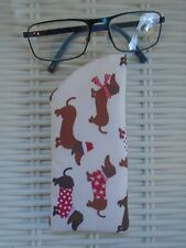 WINTER SAUSAGE DOG GLASSES CASE PADDED & LINED DACHSHUND DOGS VISION GIFT IDEA