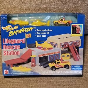 Hot Wheels Sto & Go Baywatch Lifeguard Rescue Station Chevy S-10 Truck 1995