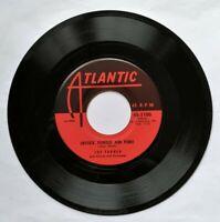 Joe Turner 45 - Lipstick Powder and Paint / Rock a While - Atlantic 45-1100 M-