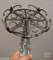 exceptionnelle grill tournante en fer forgé 18ème - fleurs de lys et coeur