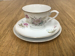 Pagoda China Delicate Floral with Gold Trim Trio - Made in Japan