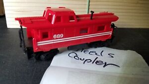 I4  HO Scale Train VINTAGE RED CABOOSE stripes 689 needs couplers fwr4