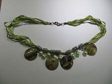 Collier en cordelette coton satiné brillant vert clair – 4 rangs avec 7 perles v