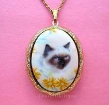 CATS Porcelain SIAMESE CAT & DAISY CAMEO Costume Jewelry Locket Pendant Necklace
