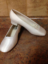 WOMEN'S SPECIAL OCCASIONS BY SAUGUS SHOE WHITE BOCA SHOES-SIZE: 10EE
