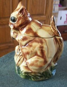 MCCOY COOKIE JAR VINTAGE CHIPMUNK SQUIRREL AS IS